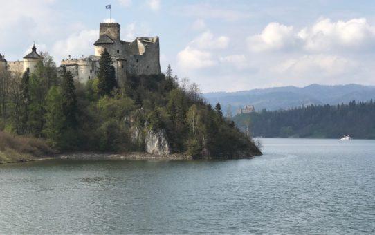 """""""Przystanie nad Jeziorem Czorsztyńskim, które warto znać"""""""
